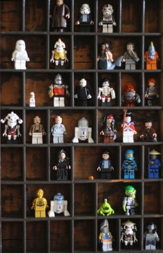 type tray display (perfect for all SH's action figures/Legos...) Legos, Boy Room, Kids Room, Lego Man, Lego Guys, Lego Display, Display Case, Lego People, Lego Storage