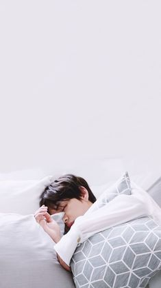 imma try making one of these since i always see them lmao # Fan-Fiction # amreading # books # wattpad Taehyung Wallpaper, V Bts Wallpaper, Daegu, Bts Sleeping, Sleeping Beauty, V Bts Cute, Bts Pictures, Photos, Bts Aesthetic Pictures