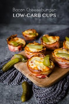Keto Bacon Cheeseburger Cups////So they can never come out looking like the picture as there is no way for the bacon to stay if a cup form while it's cooking.Had to cook bacon for 15 mins. Other than that they tasted amazing ~KP Chips Ahoy, Low Carb Recipes, Diet Recipes, Healthy Recipes, Recipies, Bacon Recipes, Lunch Recipes, Cake Recipes, Dessert Recipes