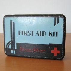 Johnson & Johnson First Aid Tin