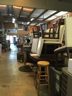 In the small, one stop sign town of El Dorado CA hides a treasure...Habitat for Humanity thrift store. A DIY paradise