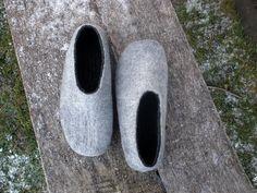 www.littlewoollysheep.com Handmade / felt slippers GREY