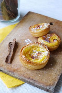 Pasteis de nata - portugese specialty (with leafy dough, vanilla cream and cinnamon) Lemon Desserts, Mini Desserts, Just Desserts, Delicious Desserts, Dessert Recipes, Yummy Food, Portuguese Recipes, No Cook Meals, Sweet Recipes