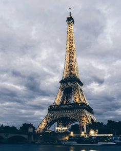 Paris - photo by @topparisphoto •