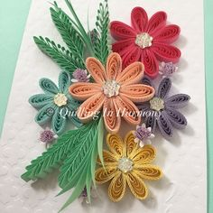 enjoying the sun🌞 Titl Paper Quilling Designs, Quilling Craft, Quilling Flowers, Quilled Creations, Paper Artwork, Enjoying The Sun, Bloom, Paper Crafts, Easel