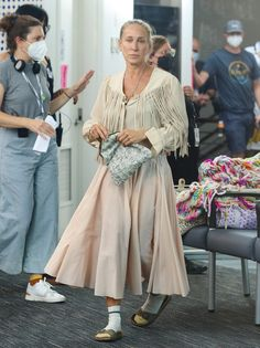 #fashion #lookoftheday Carrie Bradshaw, Carry On, Hand Luggage, Carry On Luggage