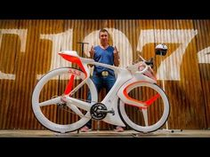 The fUCI Racing Bike Is Designed Around A Smartphone [Video] - If you are looking for the next gen bike then the fUCI is definitely something you should have a look at. It's designed around a smartphone.