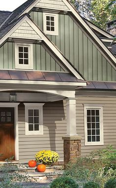 Board And Batten Siding Design Ideas, Pictures, Remodel, and Decor - page 9 House Siding, House Paint Exterior, Exterior Siding, Exterior House Colors, Exterior Design, Hardie Board Siding, Cedar Shingle Siding, Exterior Houses, City Farmhouse
