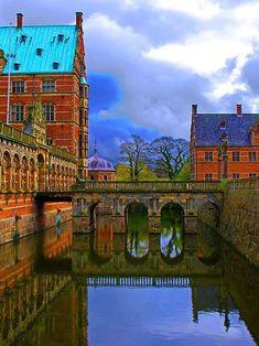 Frederiksborg Castle, Denmark Kingdom Of Denmark, Castles, Scandinavian, Sign, Mansions, House Styles, Danish, Travel, Places