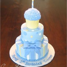 one year birthday cakes for boys. He can smash the top cupcake and we can eat the rest. (beautiful birthday cakes for him) One Year Birthday Cake, Cupcake Birthday Cake, Cupcake Cakes, Birthday Ideas, Blue Birthday, Fancy Cakes, Cute Cakes, Shower Bebe, Boy Shower