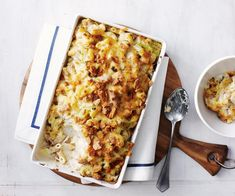 This tuna mornay recipe is a family favourite because it's so fast, easy and tasty any night of the week! Tuna Recipes, Seafood Recipes, Baking Recipes, Pasta Recipes, Salmon Recipes, Fish Dishes, Pasta Dishes, Tuna Dishes, Tuna Mornay Recipe