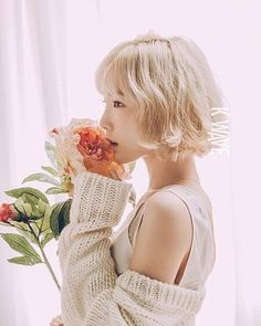 Taeyeon's a dreamy flower girl for 'K Wave' | allkpop.com