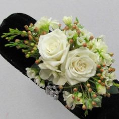 Learn how to make corsages, boutonnieres, centerpieces, church decorations and bridal bouquets.  Buy fresh flowers and discount florist supplies.