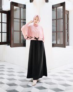 New fashion hijab syari modern ideas Modern Hijab Fashion, Muslim Fashion, Modest Fashion, Trendy Fashion, Fashion Outfits, Fashion 2020, Fasion, Modest Dresses, Modest Outfits