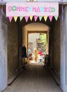 Lørdag inviterte Tulip til sommermarked i sin hyggelige bakgård i Pilestredet. En begivenhet kjoleglade jenter stod i kø for å oppleve da porten inn til kjole-himmelen åpnet!