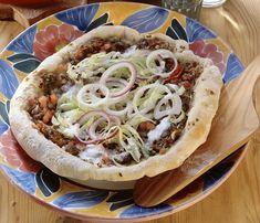 Pizza turcească cu carne de oaie