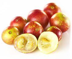 Camu camu, arbust din pădurea amazoniană,  cu mici fructe acrișoare, asemănătoare  cu cireșele/corcodușele. Se numără printre fructele cele mai bogate în vitamina C, multiplele sale beneficii făcând din el un super aliment apreciat din ce în ce mai mult. Așa că…numele său nostim o să vă rămână întipărit în memorie! Superfoods, Natural, Vegetables, Instagram, Google, Coming Of Age, Teeth, Iron, Vitamins And Minerals