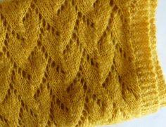 Scarf in leaf garland Leaf Garland, Knitting Accessories, Knit Crochet, Wool, Stitch, Fabric, Bonnets, Sewing Headbands, Diy Couture