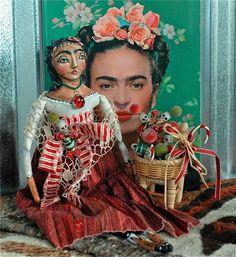 """Frida """"Christmas"""" Doll"""