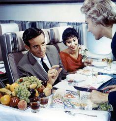 vintage-airplane-food