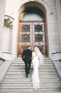 Bride and groom wedding photos Perfect Wedding, Dream Wedding, Wedding Day, Wedding Things, Wedding Goals, Wedding Pictures, Temple Pictures, Temple Wedding, Church Wedding