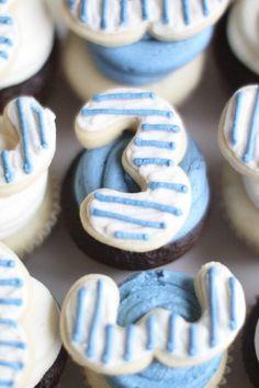 #3 Nautical cupcakes