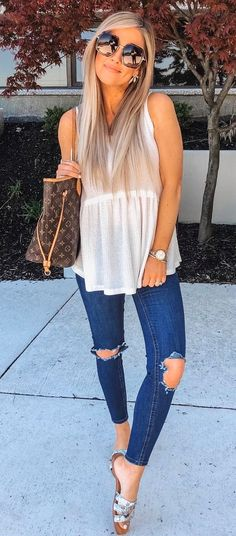 Style casual spring simple ideas for 2019 Simple Outfits, Casual Outfits, Cute Outfits, Casual Hair, Look Fashion, Trendy Fashion, Fashion Outfits, Trendy Style, Spring Summer Fashion