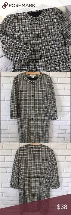 Nine West Dress Coat Size Large  Nine West lightweight Dressy Suit Jacket. Very professional looking.  Has 3/4 length sleeves. Nine West Jackets & Coats
