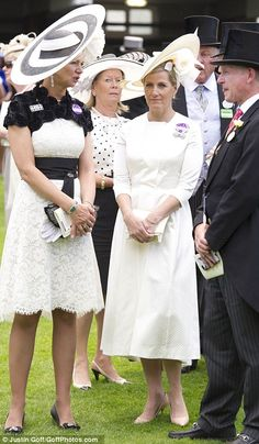The Countess of Wessex in Emilia Wickstead dress with a white straw disk with crin cutout and silk rose detail by Jane Taylor. Princess Alice, Princess Margaret, Princess Diana, British Hats, British Men, British Royals, Countess Wessex, Louise Mountbatten, Cream Outfits
