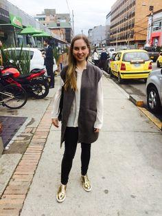 #StreetStyleBogota La Moda en Bogota, Colombia. Foto: @jplozano7 @walkscapades http://styco.com.co/ http://www.juanplozano.com/walkscapades @mpduran