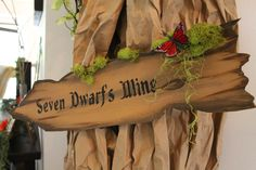 Snow White and the Seven Dwarfs Party Decor