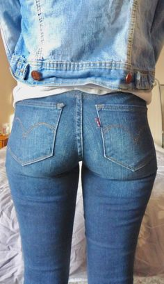 Baby got back Sexy Jeans, Jeans Pants, Leggings Are Not Pants, Skinny Jeans, Curvy Jeans, Slim Fit Pants, Girls Jeans, Denim Fashion, Blue Jeans
