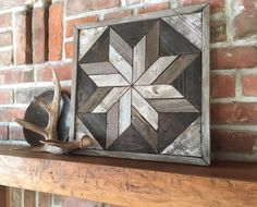 Excited to share this item from my shop: Reclaimed wood wall art - Lone Star Twist - Sustainable Art - Modern rustic Give your place a fresh feel for spring with this charming, warm and earthy little star that will look great with any decor. Diy Wood Wall, Reclaimed Wood Wall Art, Rustic Wood Walls, Rustic Wood Signs, Wooden Wall Art, Framed Wall Art, Pallet Wood, Wooden Signs, Rustic Decor