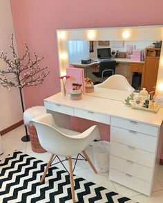 Modern Dresser Design Ideas For Makeup Room To Copy Today Cute Bedroom Ideas, Cute Room Decor, Teen Room Decor, Room Decor Bedroom, Makeup Room Decor, Makeup Rooms, Dorm Room Designs, Girl Bedroom Designs, Glam Room