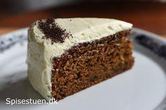 Lakridskage med hvid chokoladecreme Pecan Nuts, Cake Pans, Melting Chocolate, Quick Easy Meals, Cake Cookies, Vanilla Cake, Eat Cake, Cake Recipes, Sweet Tooth