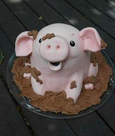 Party Pinching http://cakesdecor.com/cakes/200551-this-little-piggy