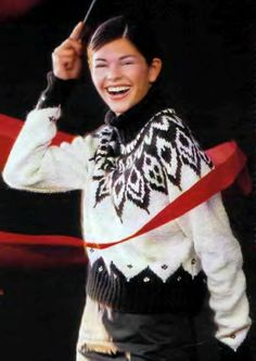 свитер с оленями, свитер с норвежским узором, жаккардовые узоры, норвежские узоры, свитер, вязание для женщин, свитер женский, вязание спицами, вязание для женщин, носки, идеи для подарков, идеи для подарков к Рождеству, Drops