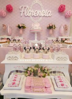 Loving this Minnie Mouse shabby chic birthday party! See more party ideas at CatchMyParty.com!