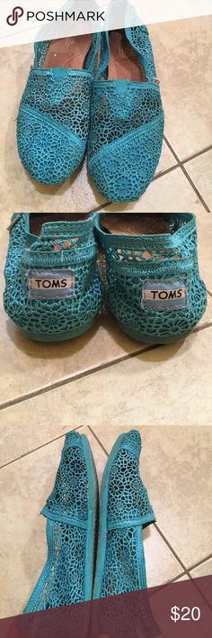 Lace TOMS Gently used lace TOMS. Great condition! Toms Shoes