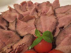 Wołowina pieczona w niskiej temperaturze - http://www.mytaste.pl/r/wo%C5%82owina-pieczona-w-niskiej-temperaturze-41476787.html