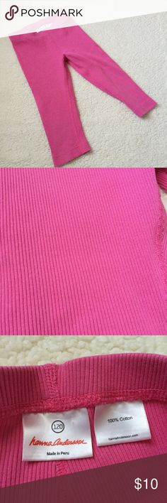 Hanna Andersson Ribbed Capri Leggings Solid pink fitted capris with ribbed material. Hanna Andersson Bottoms