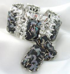 7db176f897a5e8 Confetti Lucite Bracelet Earrings Vintage by BuyVintageJewelry, $60.00  Plastic Jewelry, Vintage Earrings, Vintage