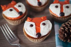 Five Minute Fox Cupcake – the cutest little fox cupcakes, decorated in 5 minutes or less! #cupcakerecipe