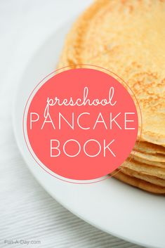 A preschool writing activity perfect for Pancake Day! Great for home and school. Pre K Activities, Preschool Learning Activities, Preschool Themes, Writing Activities, Making A Cookbook, Book Making, Preschool Literacy, Preschool Lesson Plans, Shrove Tuesday Activities