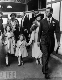 King George VI and Queen Elizabeth take Princesses Elizabeth and Margaret to the Richmond Royal Horse Show, 1934 Duchess Of York, Duke And Duchess, Duchess Kate, Princess Margaret, Margaret Rose, Lady Elizabeth, Her Majesty The Queen, Prince Phillip, Queen Of England