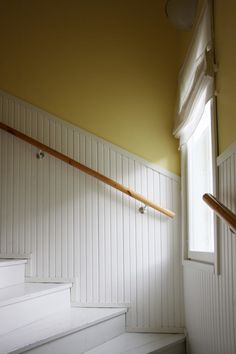 Hallway Inspiration, Interior Inspiration, Home Stairs Design, Old Farm Houses, Girl Bedroom Designs, House Stairs, Stairways, Wall Colors, Interior And Exterior