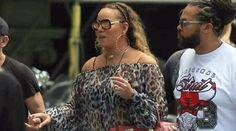 Adakah ini rupa sebenar penyanyi tersohor dunia? Dia kelihatan seperti nenek yang cuba kelihatan seperti cucunya  Mariah Carey dikecam netizen kerana gemuk   PENYANYI popular Amerika Syarikat (AS) berusia 47 tahun Mariah Carey baru-baru ini dilihat mengunjungi beberapa butik ketika berada di Barcelona Sepanyol.  Adakah ini rupa sebenar penyanyi tersohor dunia? Dia kelihatan seperti nenek yang cuba kelihatan seperti cucunya  Mariah Carey dikecam netizen kerana gemuk  Bagaimanapun…