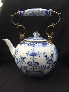 Porcelain Made In China With A Marking Kind Of Blue, Love Blue, Blue And White China, Blue China, Egg Designs, Chinoiserie Chic, Teapots And Cups, Tea Art, Tea Service