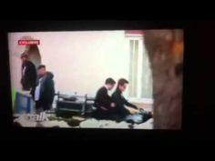 Vídeo De Robert Pattinson Gravando Cenas De Life Em Uma Moto