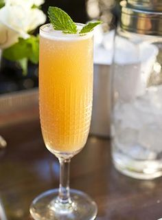Perfect Peach Bellini | The Wine Bar